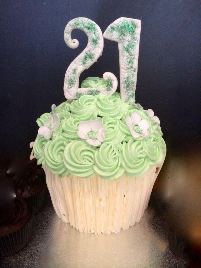 giant green twenty first birthday cake