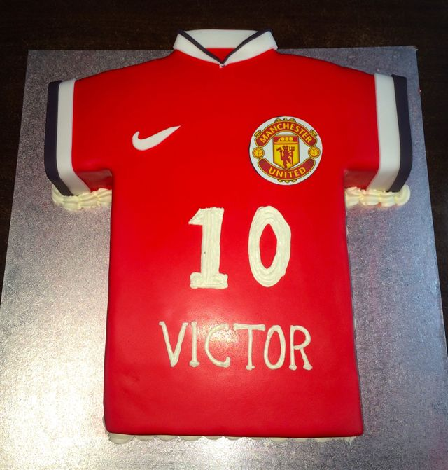 custom red soccer jersey cake