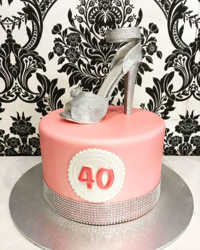 custom pink stilleto forty cake