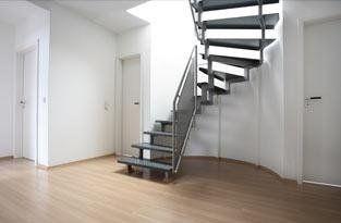 scale in legno e alluminio