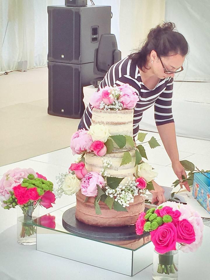 White Love Bird Wedding Cake