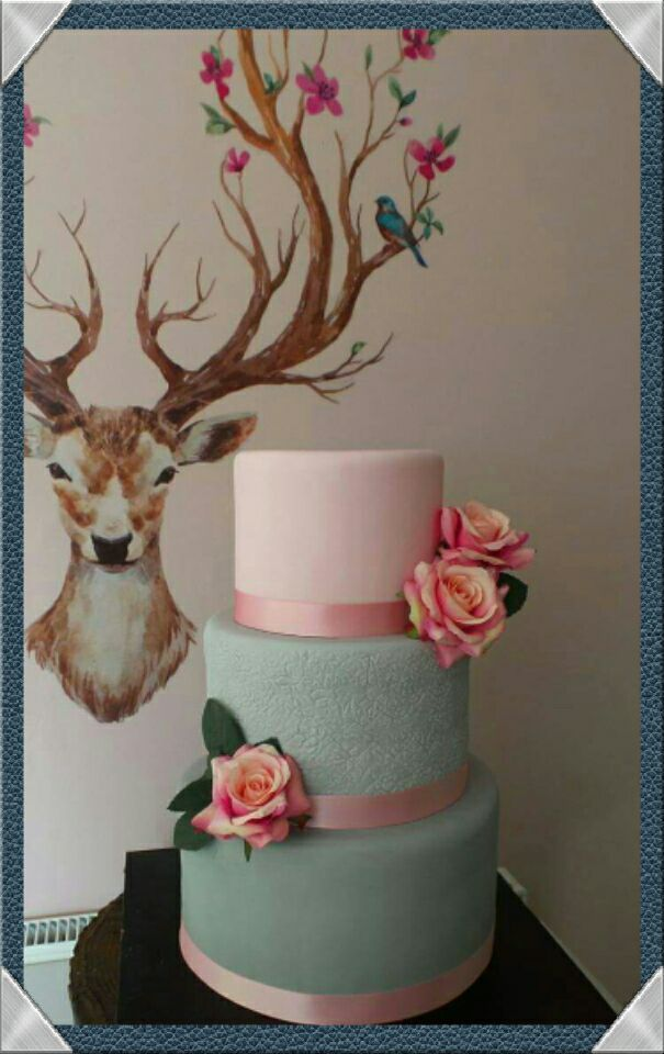 wedding cake maker surrey stunning wedding cakes made in virginia water 23206