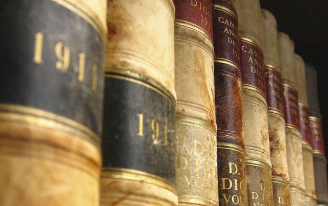 Criminal law books in Harrison, AR