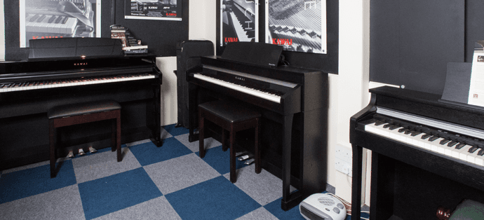 3 digital pianos