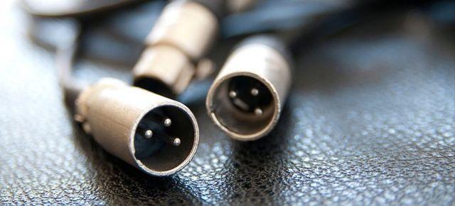 3 aux cables