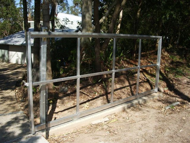 Steel and aluminium gate frame