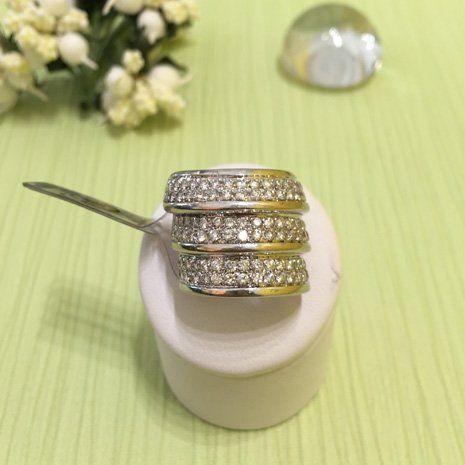 Gioielli in oro con i diamanti a Rimini