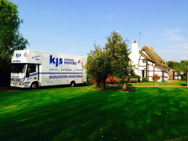 KJS National Movers truck