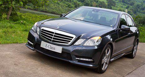 Mercedes nera a L'Aquila