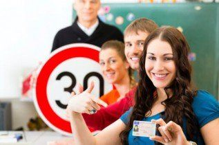 Student Pointing to License — 5-Hour Pre-licensing Course in Mamaroneck, NY