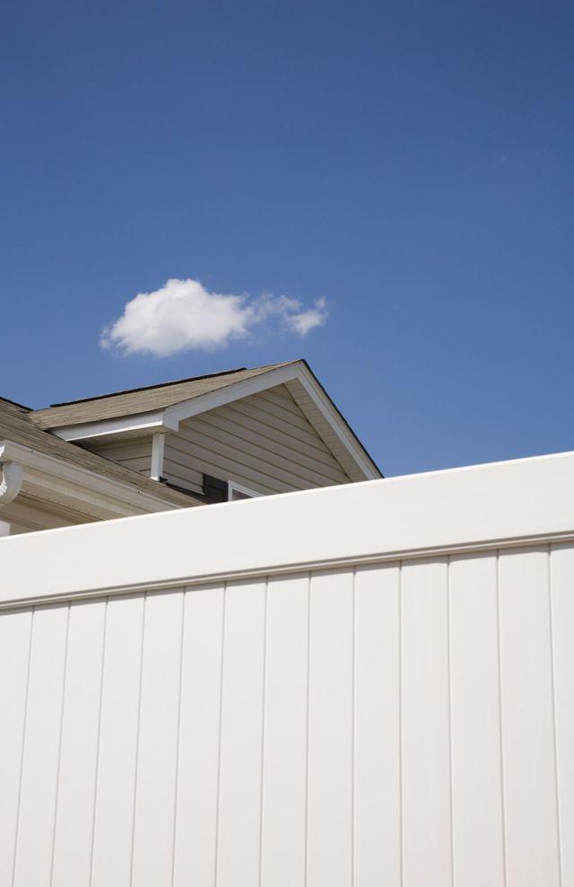 house with vinyl fencing in Warren, PA
