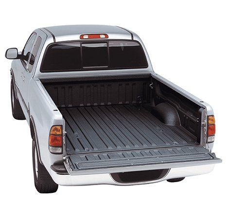 un pick up grigio visto da dietro