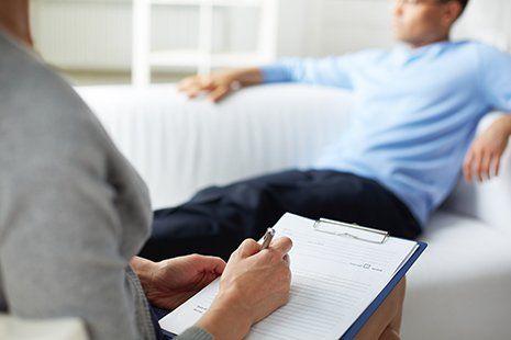 Psicoterapeuta con il paziente