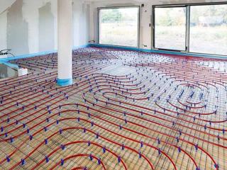 sala con impianto di riscaldamento a terra