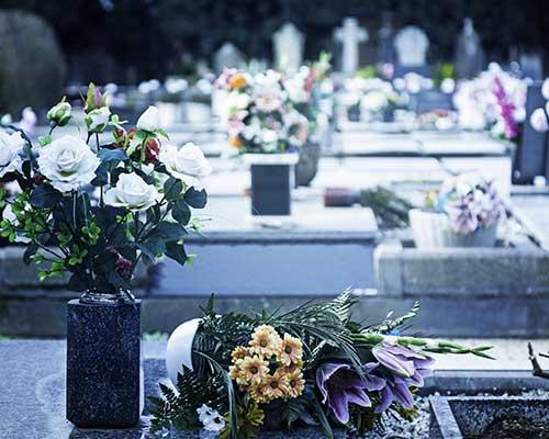 Fiori sulle tombe