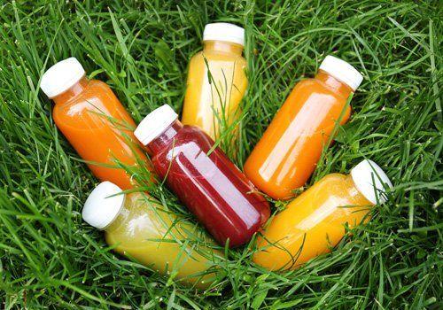 Bottigliette di succhi di frutta
