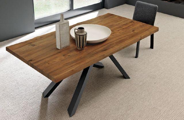 Un tavolo minimal