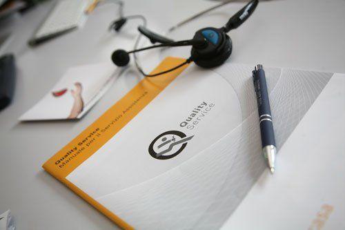 Penna sul libro di Quality Service a Varese