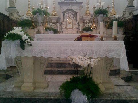 addobbi floreale nel presbiterio