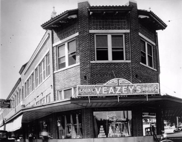 Veazey Drug Co est 1906