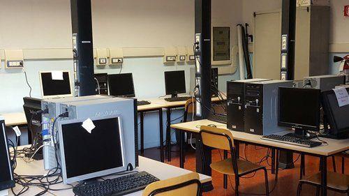 una sala computer