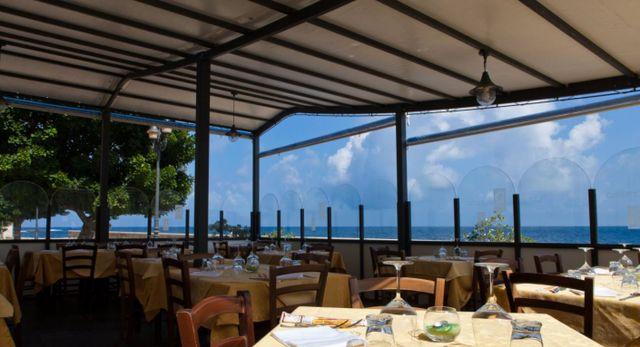 Vista di un ristorante a Trapani