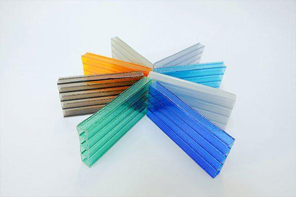 Delle lastre di policarbonato