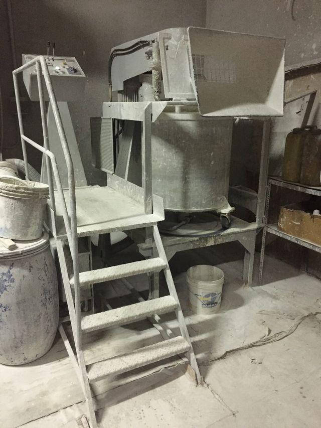 Macchinari per la miscelazione e preparazione di pitture idrotraspiranti a Cherasco