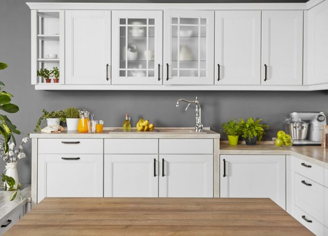 Kitchen Cabinet Updates: How to Avoid Certain Paint Problems