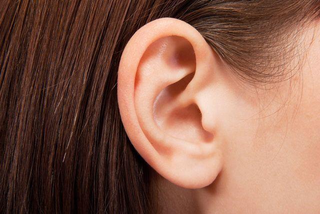 L'orecchio di una bambina