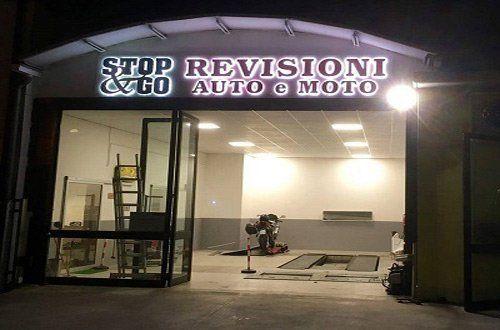 entrata officina STOP REVISIONI & GO auto e moto