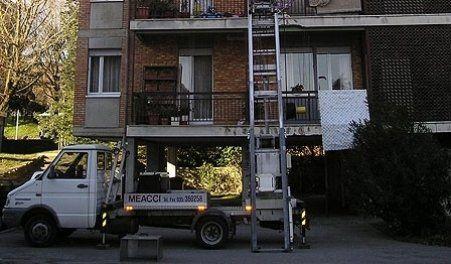 Trasporto arredi bergamo meacci traslochi - Smontaggio mobili ...