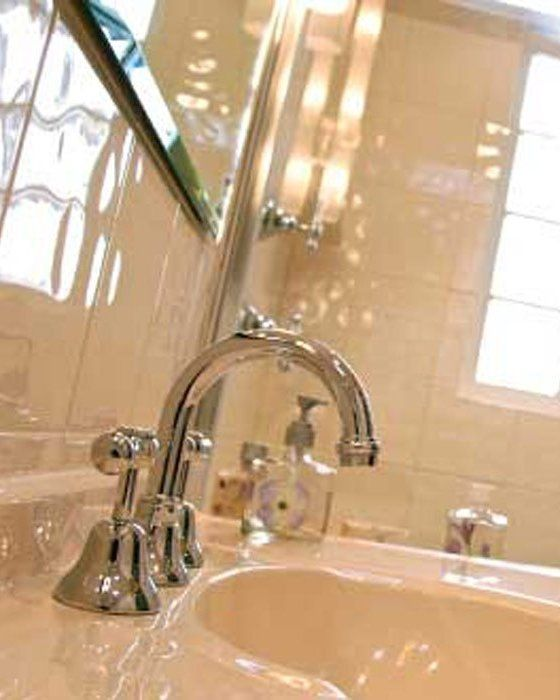 classical style sink