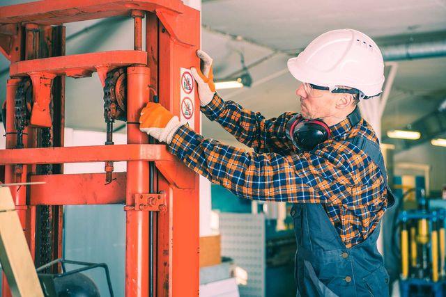 Lift Gate Repair >> Tri Mechanical Inc Hydraulic Lift Gate Repair Deer Park Ny