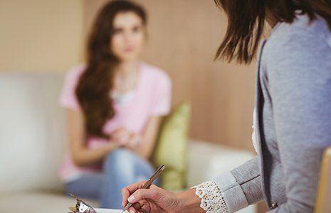 Tre donne in terapia di gruppo