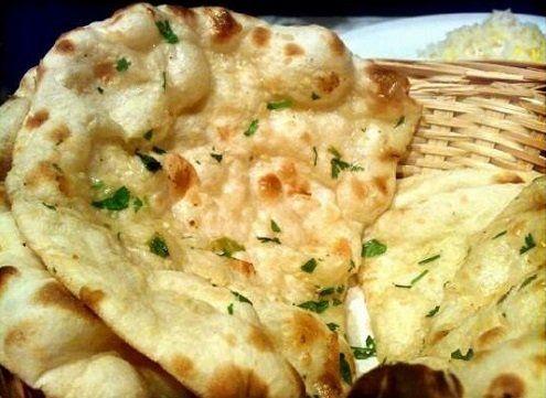 Focaccia che abitualmente serviamo al posto del pane: fragrante, gustosa, saporita e preparata al momento.