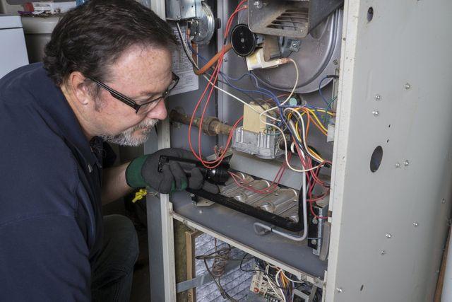 Heating service provider installing heating systems in Hamden, CT