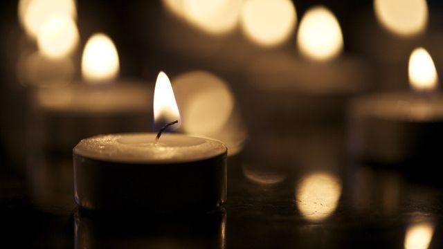 alcune candele accese