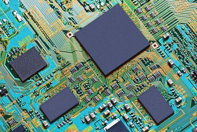 Immagine di un circuito stampato dopo la riparazione
