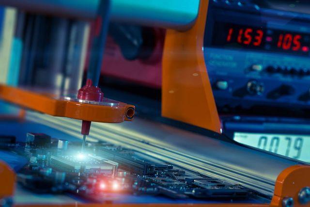 Lavorazione di un circuito stampato
