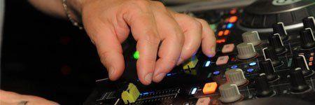 DJ al Dema disco bar di Villorbia