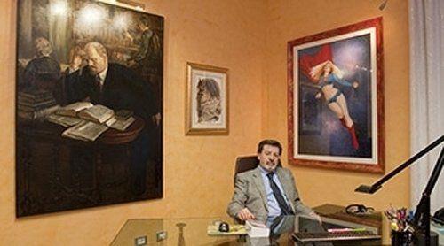 giudice firma una sentenza-Milano