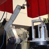 Macchina per la lavorazione del metallo e la saldatura