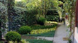 casa con ingresso al giardino