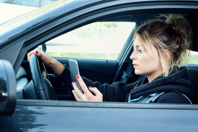 What Is The Arkansas Law On Texting And Driving