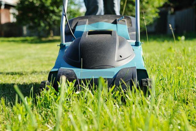 battery lawn mowers