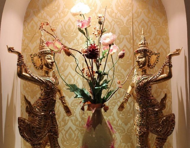 thai regional statues