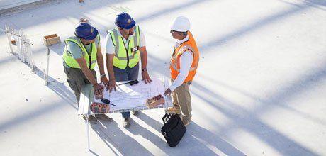 expert contractors discussing