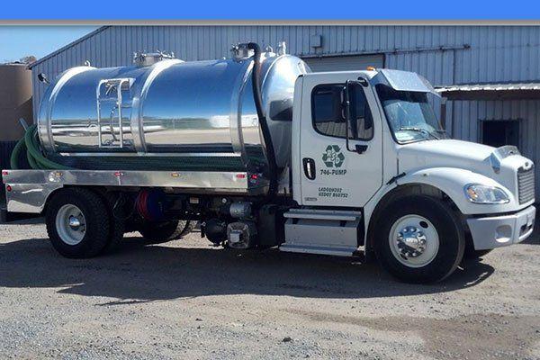 Water waste disposal truck