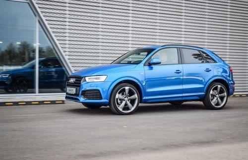 macchina azzurra